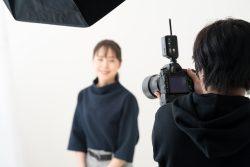 女性モデルの撮影現場
