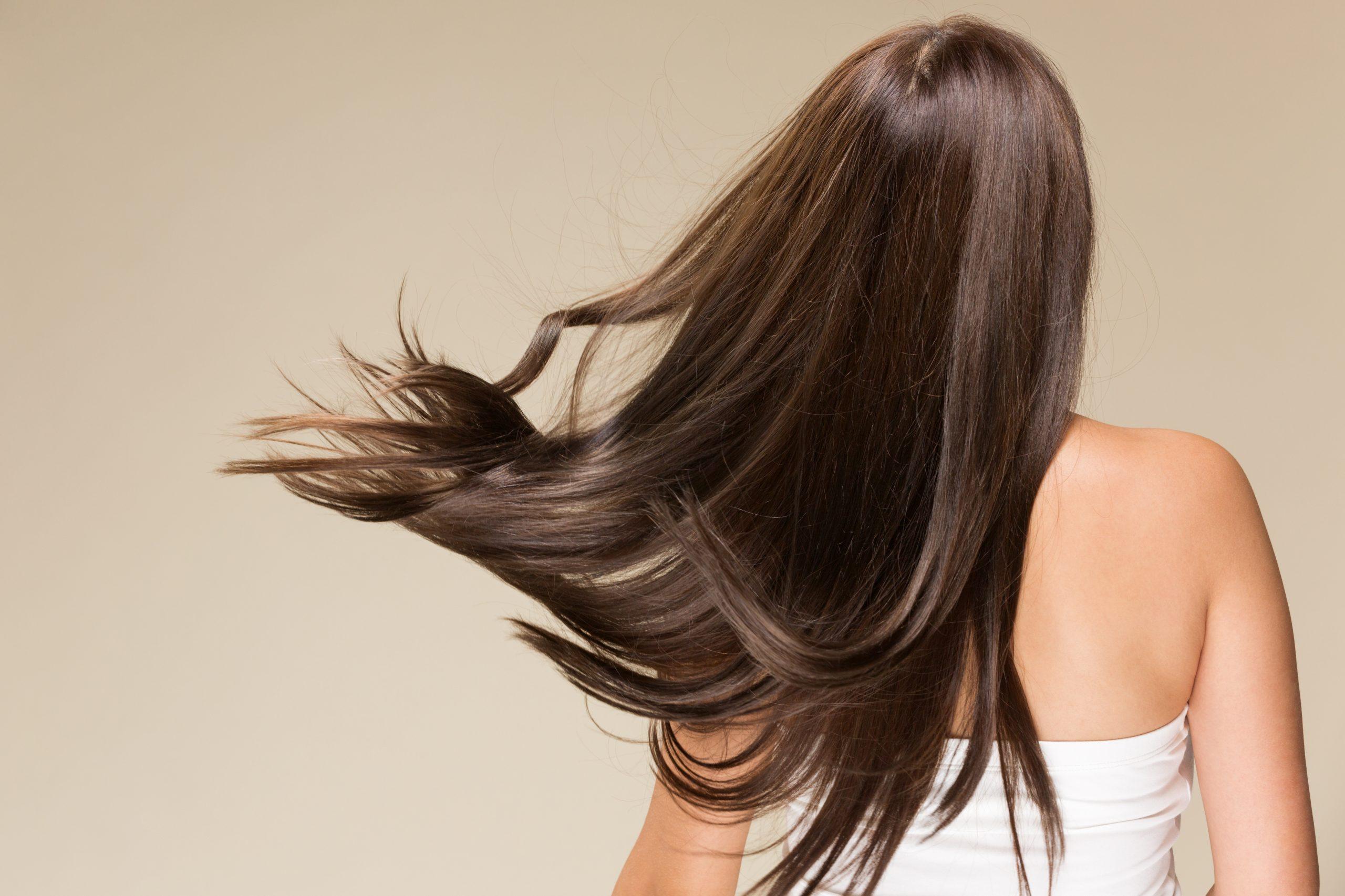 躍動感あるツヤ髪